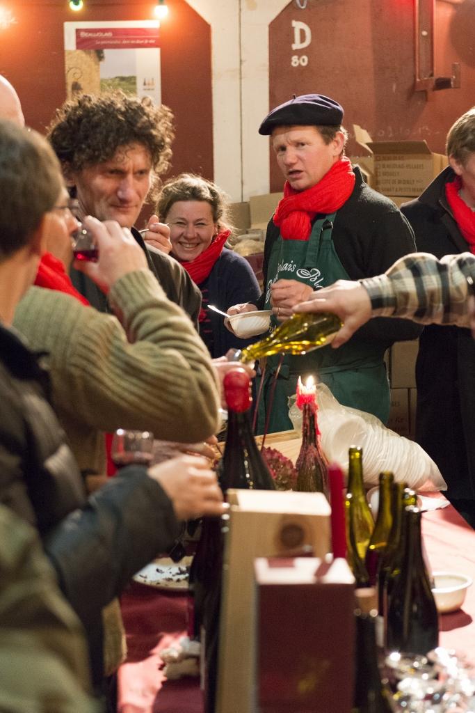 Même à distance, un verre de Beaujolais FELLOT nous rassemble !